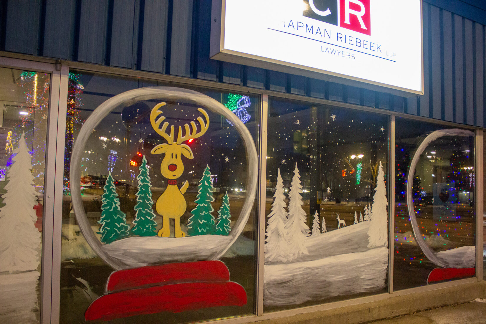 Winner of the DBA Window Decorating Contest Announced